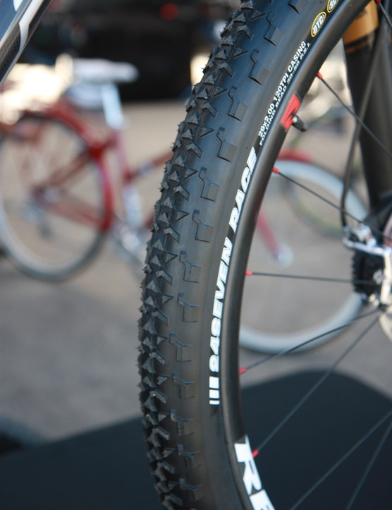 Stock tires on the Felt Edict LTD Race are Kenda's fast rolling 24Sevens