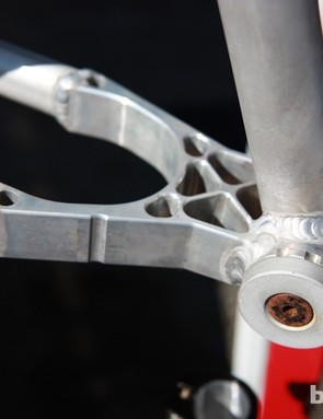 Foes use a machined chainstay yoke on the new SSV hardtail