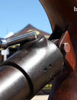 The lockout lever on the Ibis Maximus actually moves