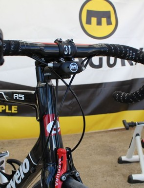 The new Magura converter: a marriage of mechanical and hydraulic systems on a road bike