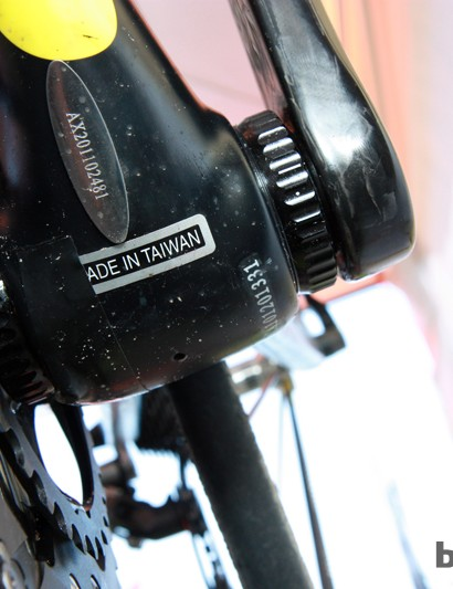 External bottom bracket cups allow the 35mm-diameter spindle of the new Turn carbon crank to fit into a bike with a conventionally threaded bottom bracket
