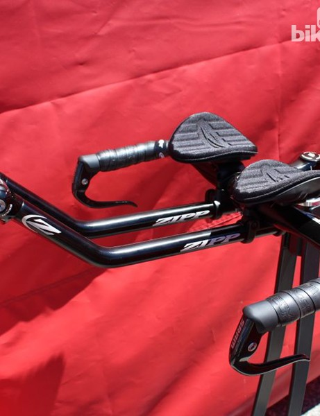 The Vuka Alumina system has numerous fit-adjustment options. Here, Ski Tip extensions are mounted beneath the base bar, with the arm rests somewhat close together