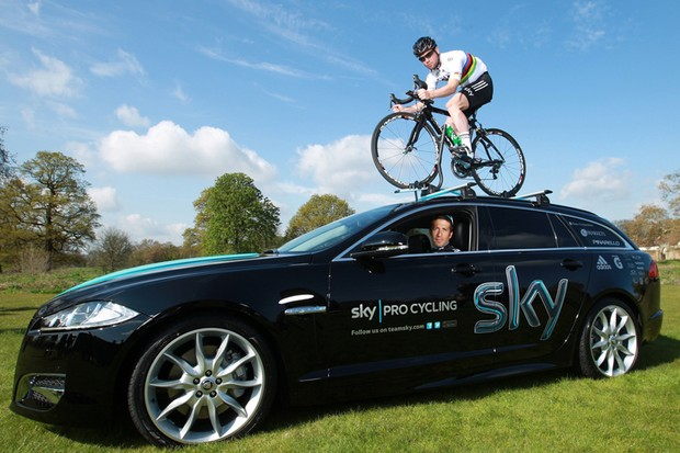 Mark Cavendish, Juan-Antonio Flecha and the Team Sky Jaguar XF Sportbrake