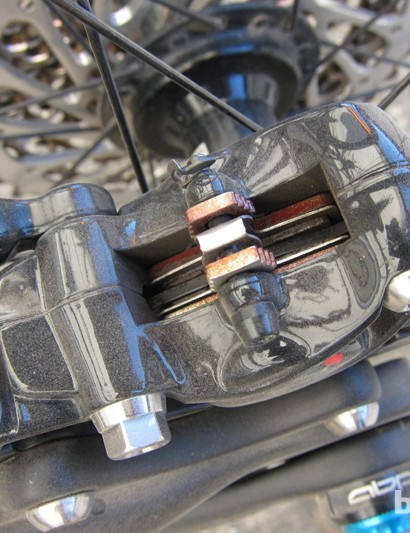 The standard caliper shares its pad design with the Elixir brake family