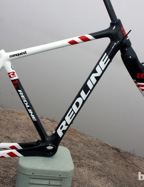 Redline have made some revisions to the Conquest Carbon frame for the 2012-13 season, improving bottom bracket stiffness and the internal cable routing as compared to the previous version