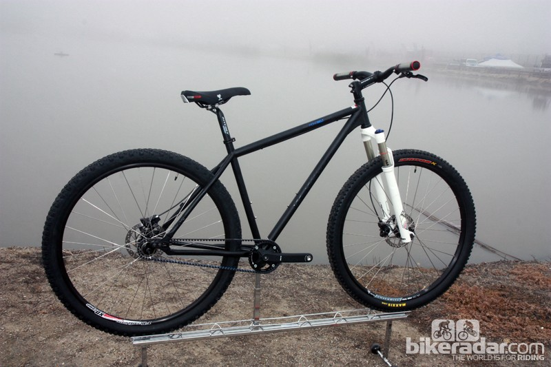 New from Redline for 2013 is the Monobelt singlespeed 29er built with a Gate CenterTrack belt drive