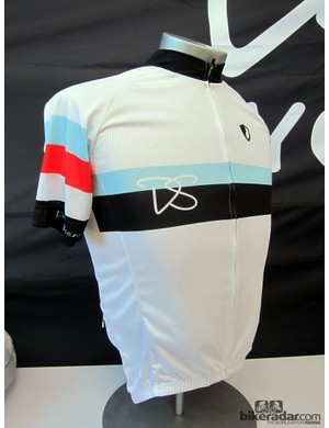 DannyShane's retro jersey is simple and understated