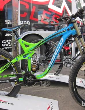 The new color scheme for the 2013 Aurum LE downhiller