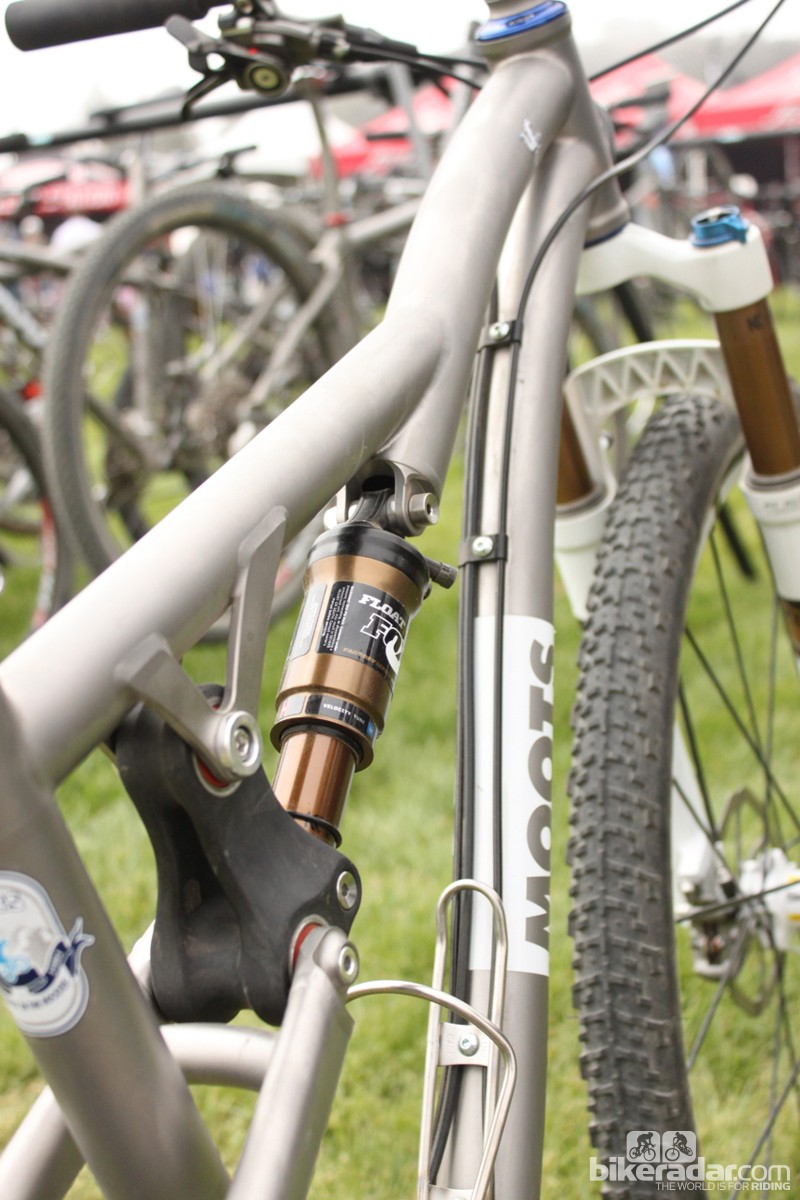 The dual-section head tube increases standover and makes for a svelte shock mount