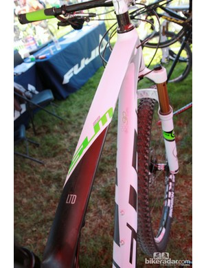 Fuji say the new SLM29's wide top tube lends excellent front triangle torsional stiffness