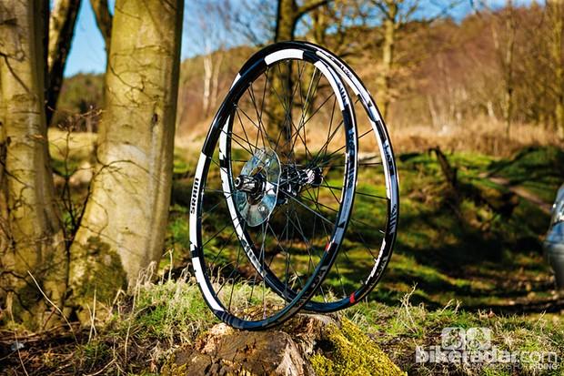 SRAM Rise 40 wheelset