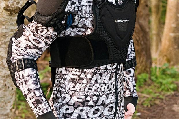 Nukeproof Critical jacket
