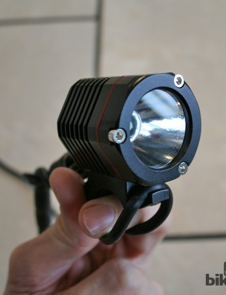 The V2 packs an 'orange peel' reflector