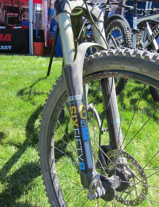 The Axon's molded carbon lowers lend themselves to be easily retrofit for 27.5in wheels