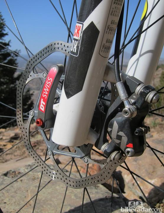 The 180mm-diameter front rotor provides plenty of stopping power