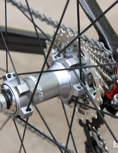 Shimano use straight-pull stainless steel spokes on the excellent Ultegra WH-6700 wheels