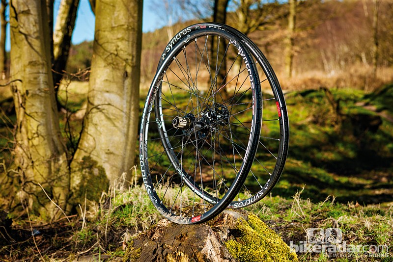 Syncros FL25 mountain bike wheelset