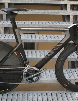 The Speedmax CF Evo in 'triathlon' configuration with steeper seatpost and riser stem