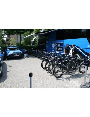 Saxo Bank team area, Specialized Shivs at the ready