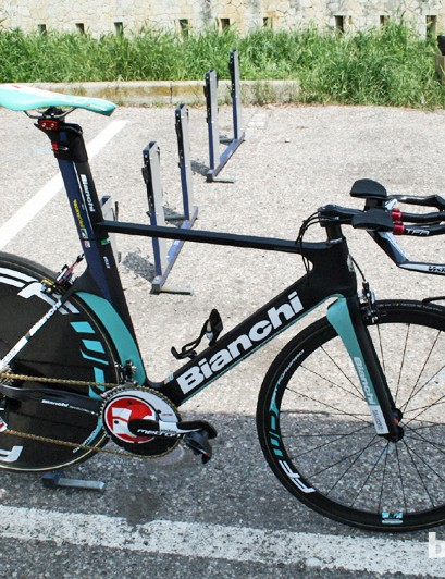 Gustav Erik Larsson's Vacansoleil Bianchi was fitted with Vision's Metron TT groupset prior to the start of stage 4 of the Giro d'Italia. He didn't race with it, though, as there wasn't time to set it up properly