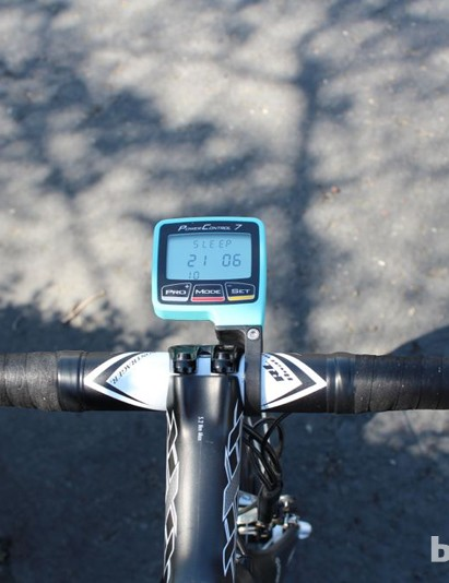 Horner prefers a relatively wider 44cm bar (in aluminum, as many pros run)