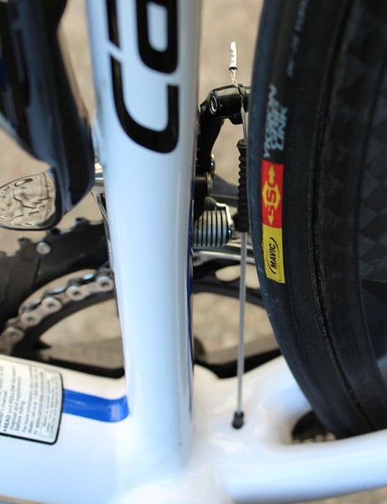 Mavic supply both wheels and rubber, specifically Cosmic Carbone Ultimate tubulars with Yksion GripLink tires