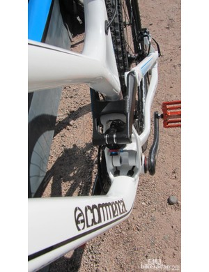 The Commencal Meta AM 29 comes in pure white with bright blue graphics