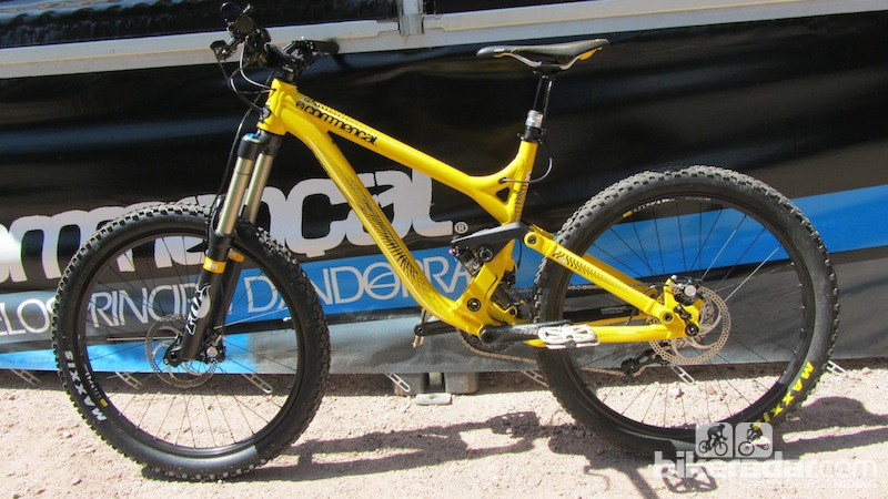 The Commencal Meta SX is the AM's bigger brother, with 160mm of travel