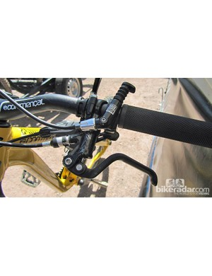 The Commencal Meta SX is again fitted with a RockShox Reverb