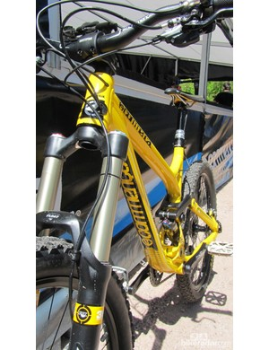 Commencal's Meta SX looks the business with its bright yellow and black frame