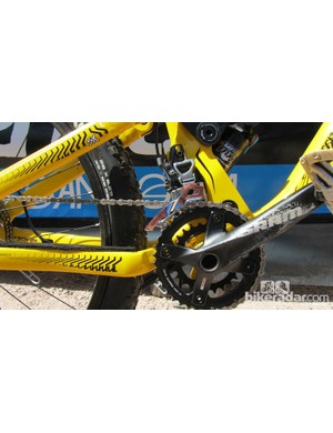 The Commencal Meta SX uses SRAM X7 2x10 cranks, with a direct mount front derailleur