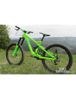 The Commencal Supreme FR is available with either Marzocchi or FOX suspension. The former will be available from June 2012