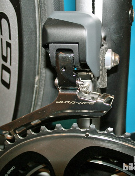 The Dura-Ace Di2 9070 front derailleur is said to be more compact, lighter and provide slicker shifting