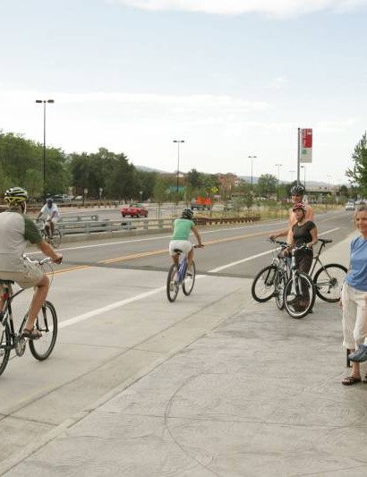 Beth Israel Deaconess Medical Center researchers say one-in-five bike share riders use a helmet, versus roughly one-in-two of those who own their bike