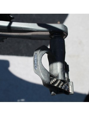 Orica-GreenEDGE Cycling is sponsored by Shimano for pedals (thus the marked-out logo), but McEwen prefer Look