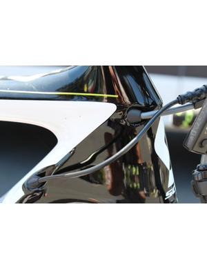 Touted as an all-around aero race bike, the Foil features clean lines and internal routing