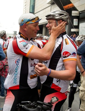 Dallaglio and Flintoff after 2872km in 22 days