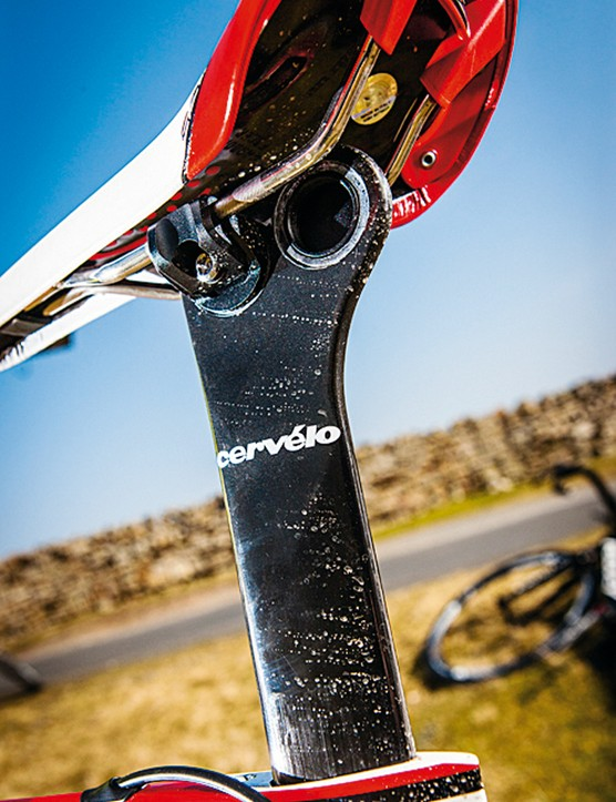 The seatpost offers both a tri-style steep seat angle and more conventional 'sit back' saddle clamp