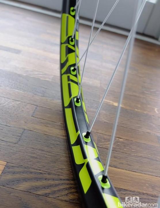 Tricon free ride cross FX1950 rim with concave rim profile and rim inserts are tubeless ready