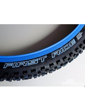 The blue graphics denote a tyre in Schwalbe's development programme, this was a 650B Hans Dampf