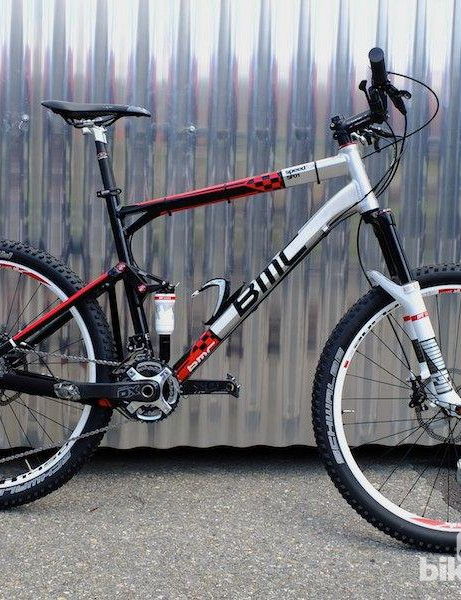 Our test rig for the afternoon's mountain bashing had the X313 rear shock, XR1450 wheels and XMM120 fork with remote lever