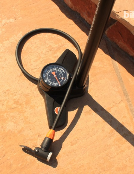 The new Airkompressor sports a huge gauge for easy reading