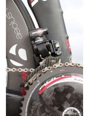 The EPS front derailleur autotrims in tandem with the rear derailleur's action