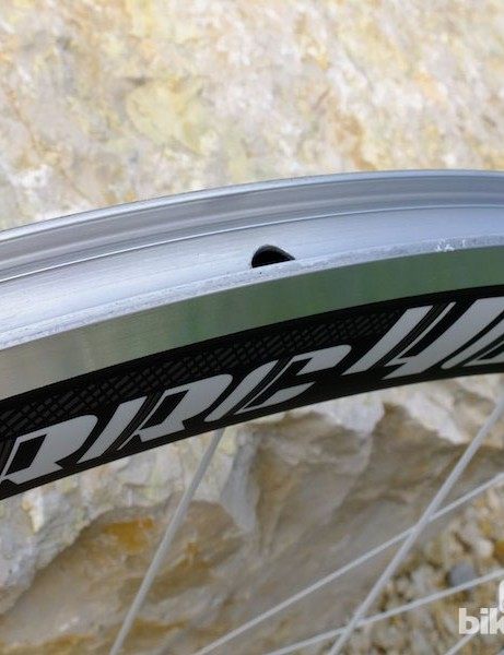 The aluminium rim bed of the RRC46 H wheel