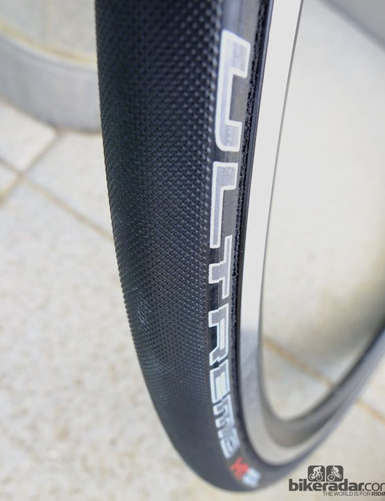 Stippled tread pattern of the Ultremo HT hand made tubular tyre