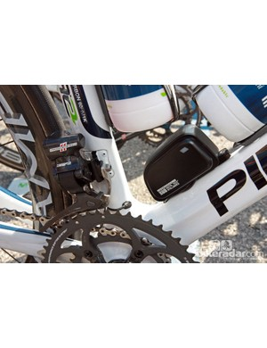 Internal routing keeps things looking clean on Marzio Bruseghin's (Movistar) Pinarello Dogma 2