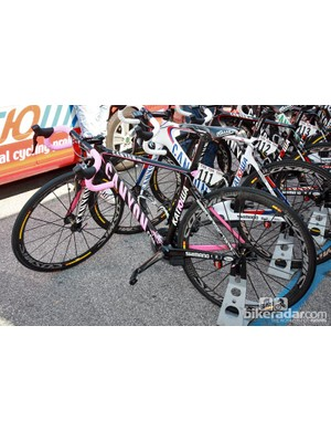 Katusha team sponsor Canyon supplied current Giro d'Italia leader Joachim Rodriguez with this pink-accented Aeroad CF