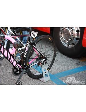 Mavic Cosmic Carbone Ultimates for current Giro d'Italia leader Joachim Rodriguez (Katusha)
