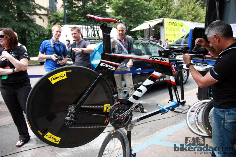 Ryder Hesjedal (Garmin-Barracuda) put in the time trial of his life aboard a Cervélo P5 like this one, piloted by teammate Alex Rasmussen