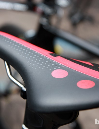 We spotted a new fi'zi:k Ares time trial saddle on Ryder Hesjedal's (Garmin-Barracuda) spare Cervélo P4. Updates include an array of silicone dots on the front half to help hold the rider in place.